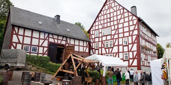 Kunsthandwerkermarkt - Museumsfest Burbach