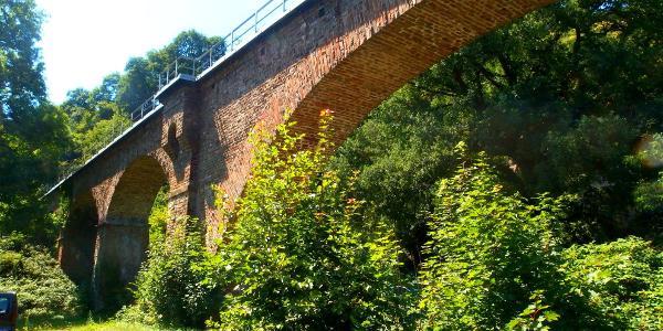 Das Viadukt der Brohltaleisenbahn im unteren Brohltal