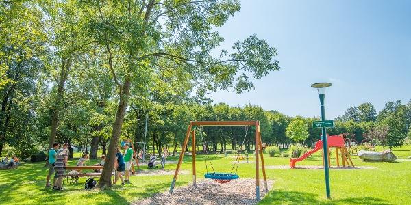 Schlosspark Pöllau: Spielplatz
