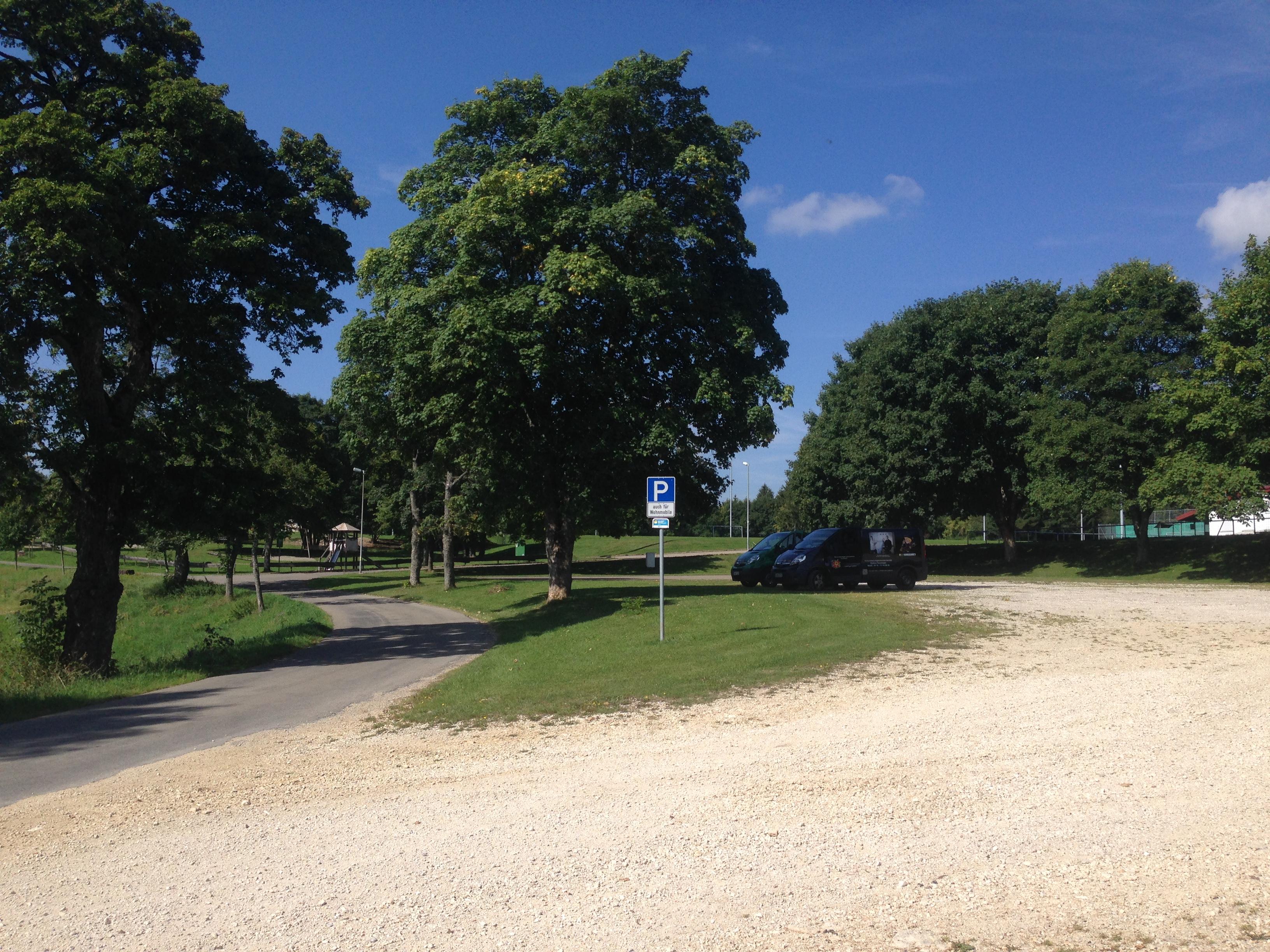 Wanderparkplatz in der Nähe des Sportplatzes Obernheim