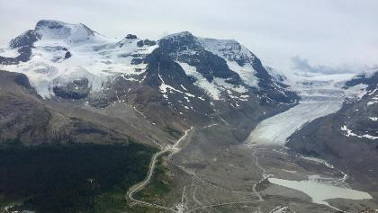 Looking towards the Columbia Icefield just behind the peaks.