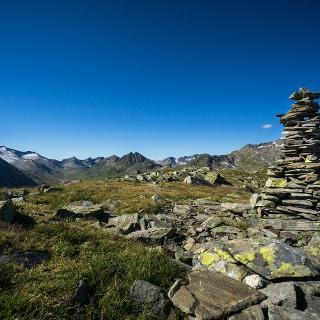 Richtung Maighels erschliesst sich ein schönes Alpenpanorama