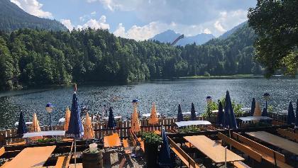 נוף על האגם ממרפסת המסעדה