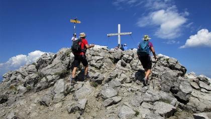 Das Gipfelziel Augstenberg (2259m) ist erreicht