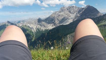 Panüelerkopf, Salaruelkopf von der Blumenwiese des Gorfions aus.Sonntag, 29. Juli 2018 15:02:15