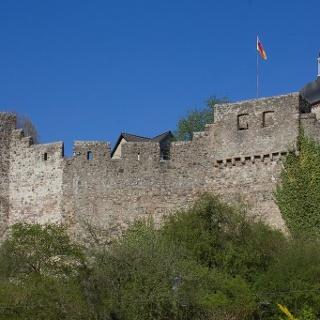 Hillesheim - Stadtmauer mit Wehrgang