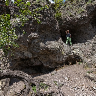 A Remete-barlang számos üregét felfedezhetjük