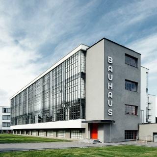 Dessau-Roßlau Bauhausgebäude / Bauhaus building (1925–26), Architekt / architect: Walter Gropius