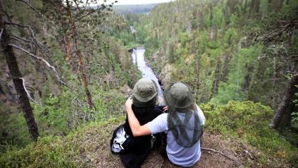 Kanjonin kurkkaus trail in Oulanka offers beautiful views to the canyon of Oulanka