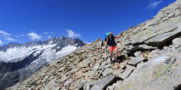 Typische Wegstelle zwischen Chelenalphütte und Bergseehütte