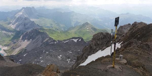 Grenzübergangsschild Österreich / Schweiz, ca. 2870, Richtung Totalphütte .