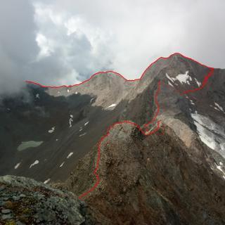 Blick vom Rotegg auf die zurückligende Route mit Routenverlauf