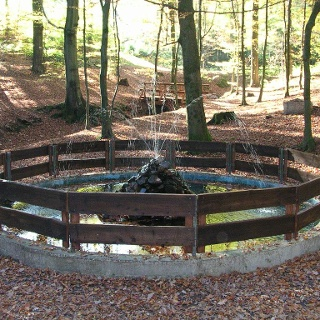Springbrunnen am Waldrastplatz Brombach (Kindelsbergpfad)