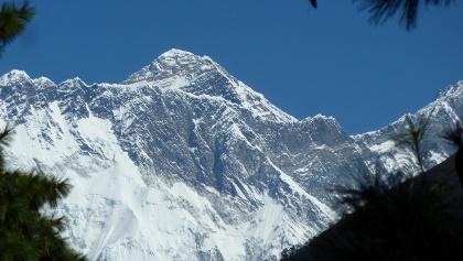 Mt. Everest (8.848 m) erster Blick vor Namche Basar