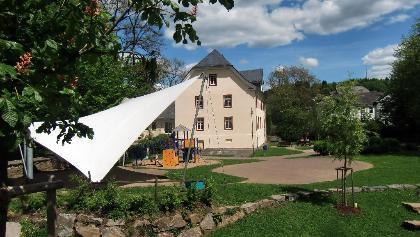 Wilhelmsburg mit Gerichtswiese
