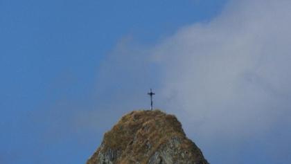 das Gipfelkreuz des Roßgruberkogels