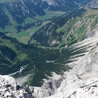 Hirschsee und Nenzinger Himmel vom Panüelerkopf.