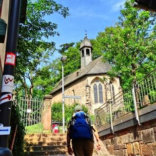 Start in Marburg, hinauf zum