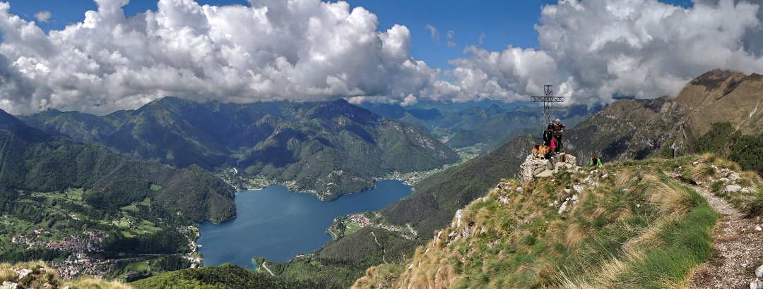 Bergtour mit Blick auf den Ledrosee