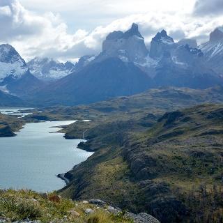 Blick vom Aussichtspunkt zu den Cuernos del Paine