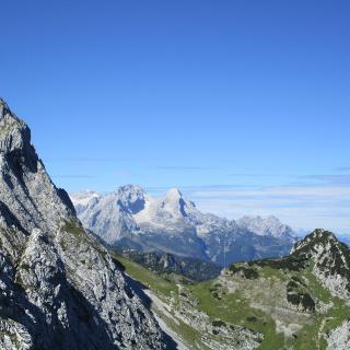 Im Gipfelanstieg Blick auf die Zugspitze