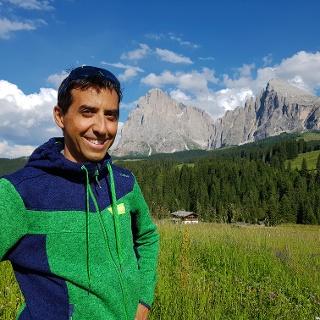 Certified hiking guide Patrick Stuflesser