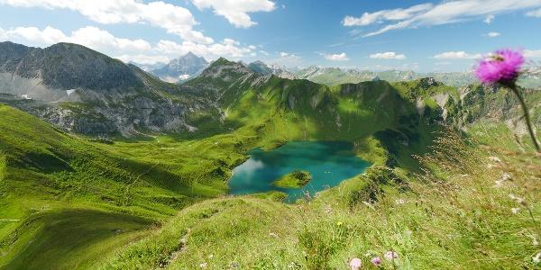 מבט מלמעלה על אגם שרקזה
