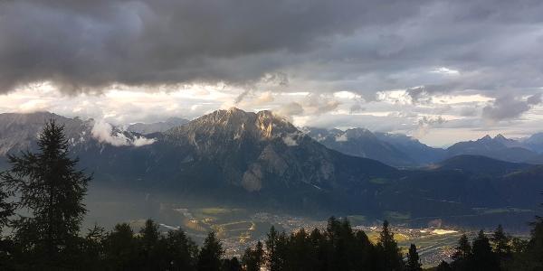 Blick aufs Inntal von der Peter-Anich-Hütte