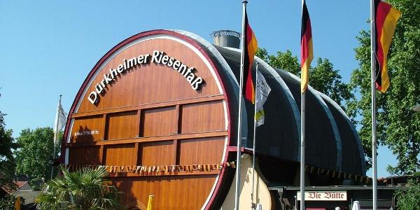 Das Dürkheimer Riesenfass mit einem Restaurant im Inneren (Foto Stadt Bad Dürkheim).