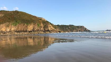Les falaises depuis la plage du Palus