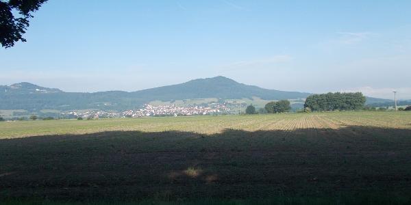 Blick auf Völkershausen und den Oechsenberg