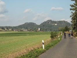 Foto Start der Wanderung mit Blick zum Papststein und zum Gohrisch