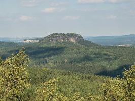 Foto Blick zum Pfaffenstein und zur Festung Königstein