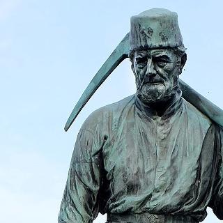 Henner, Statue des Siegerländer Bergmanns