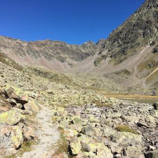 Weg von der Hütte Richtung Norden