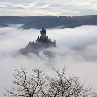 Nebel über dem Moseltal