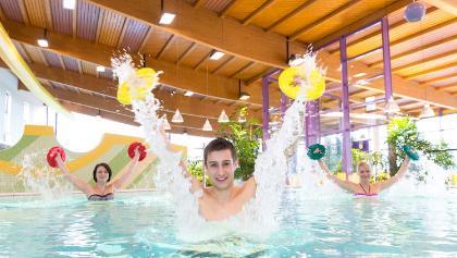 Badespaß und Bewegung im Thermalheilwasser
