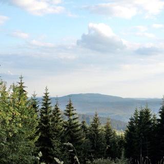 Blick Richtung Oberhof. In der Bildmitte die Schmalkalder Loibe