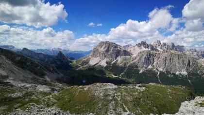 Blick zum Falzaregopass, Kl. Lagazuoi, Fanisspitzen, Falzaregotürme, Col de Bois