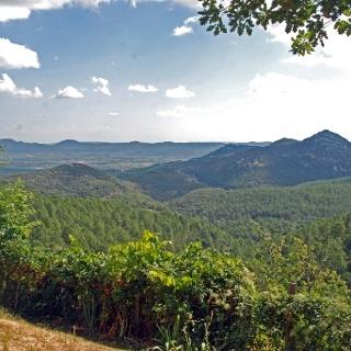 Blick über das Bergland der Ardèche