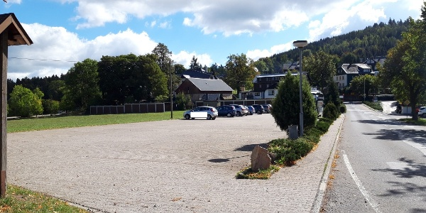 Parkplatz gegenüber Gasthof Bärenfels