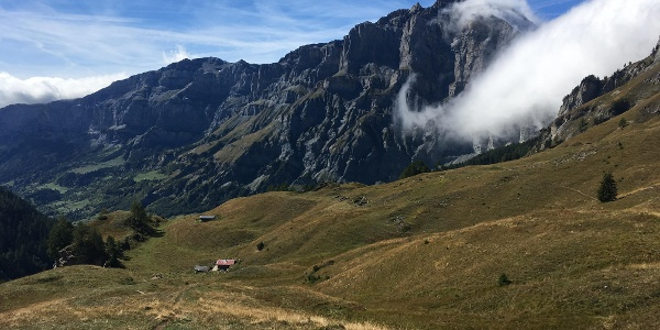 Descending on the path from Fluekapelle