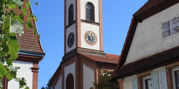 Die Kirche in Mühlhofen