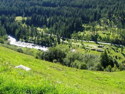 Blick vom Val d'Urezza hinunter zum Inn