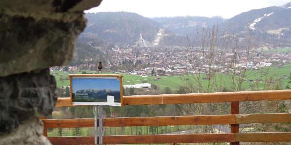 Blick von der Burgruine nach Garmisch-Partenkirchen