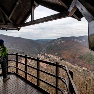 Kilátás Szarvaskőre a Major-tetői kilátóból