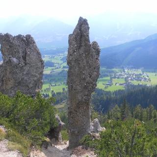 Sandsteinformationen über der Ramsau