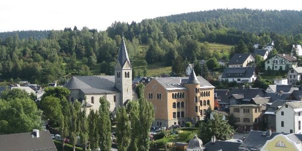 Steinach   Blick auf Kirche und Schule