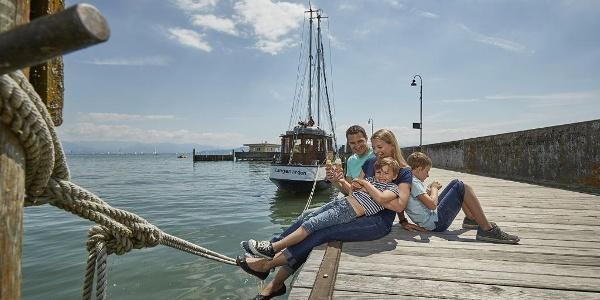 Pause auf der Hopfenschlaufe am Gemeindehafen Langenargen
