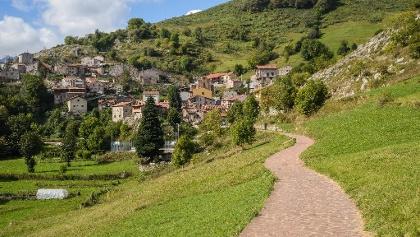 Tresviso near Hitu Escarandi